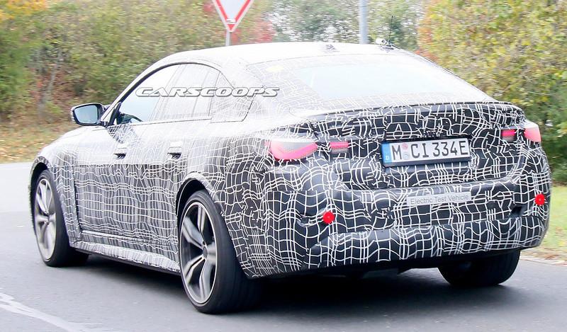 2022-BMW-i4-M-6