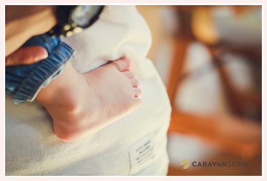 子どもの足のアップ写真 かわいいあんよ