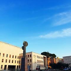 :sunrise_over_mountains: #Buongiorno Sapienza e #buonsabato con una foto della Statua della Minerva di @ice_stella ・・・  #Goodmorning and have a nice Saturday from the Minerva Statue ・・・ #Repost: «Cieli di Roma :sunflower: #roma #romacapitale #italia #ital