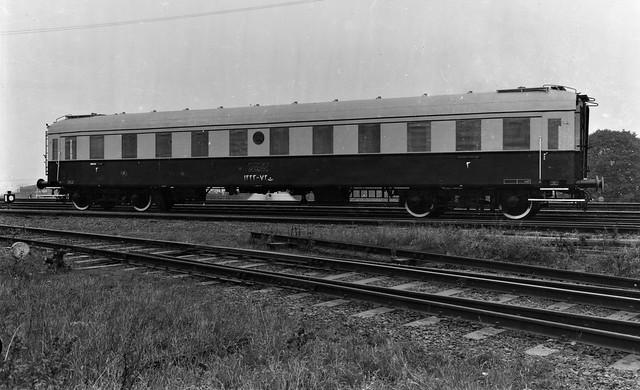 Iran Railways - Iranian State Railways type C4ü Third Class passenger coach Nr. 1223 (Westwaggon 1938)