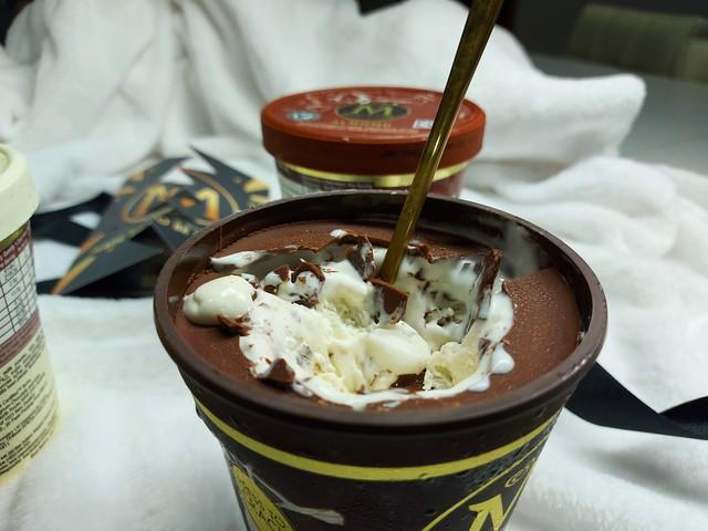 Magnum Pints Ice Cream #MadeToBeBroken
