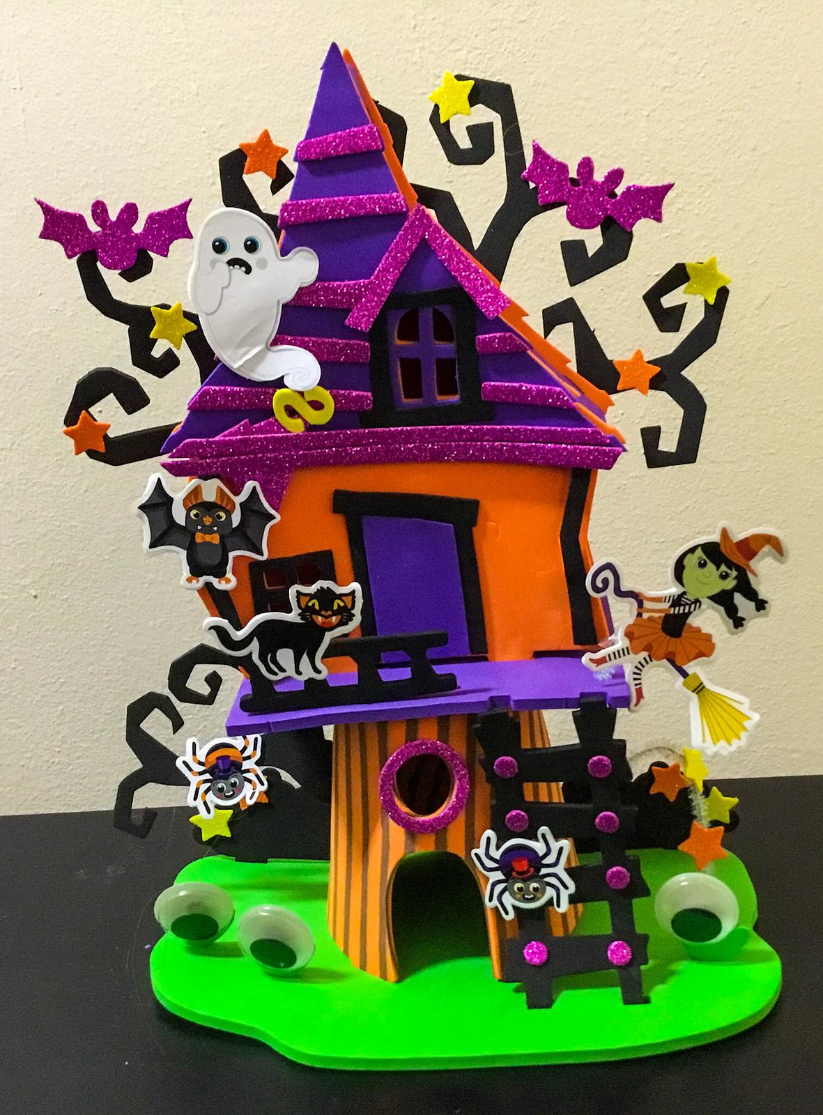 Building a 3D Foam Craft Spooky Treehouse