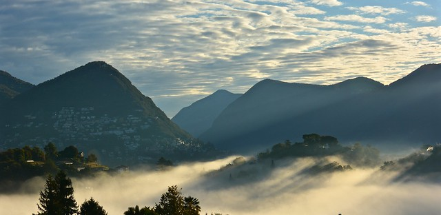 Lugano nebbia mattutina