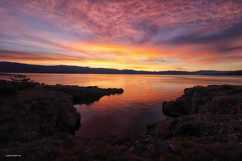 daybreak sea reflection sky skyspace seaspace rocks sunrise down adriatic croatia hrvatska europe canon