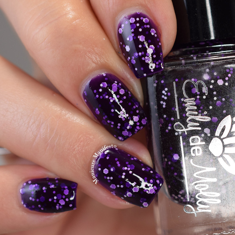 Emily De Molly Common Feature swatch
