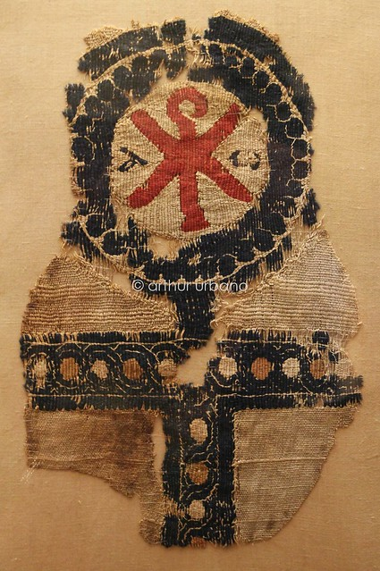 Tapestry fragment with christogram and ankh (Athens, Greece)