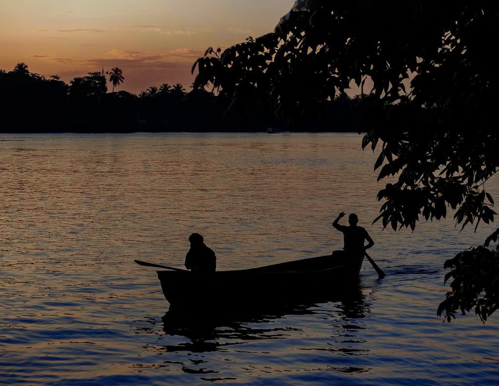 Le soir sur la lagune de Tortuguero... 50499075052_24a6a297c8_b