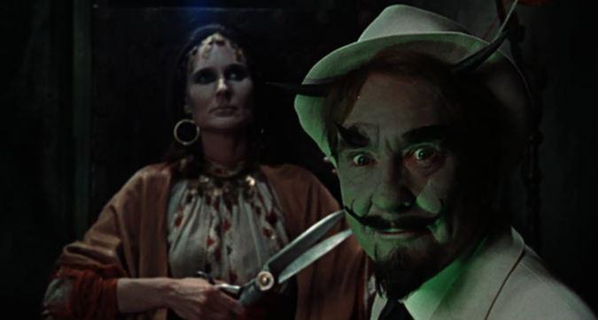 Clytie Jessop et Burgess Meredith dans Le Jardin des tortures (Torture Garden, Fredie Francis, 1967)