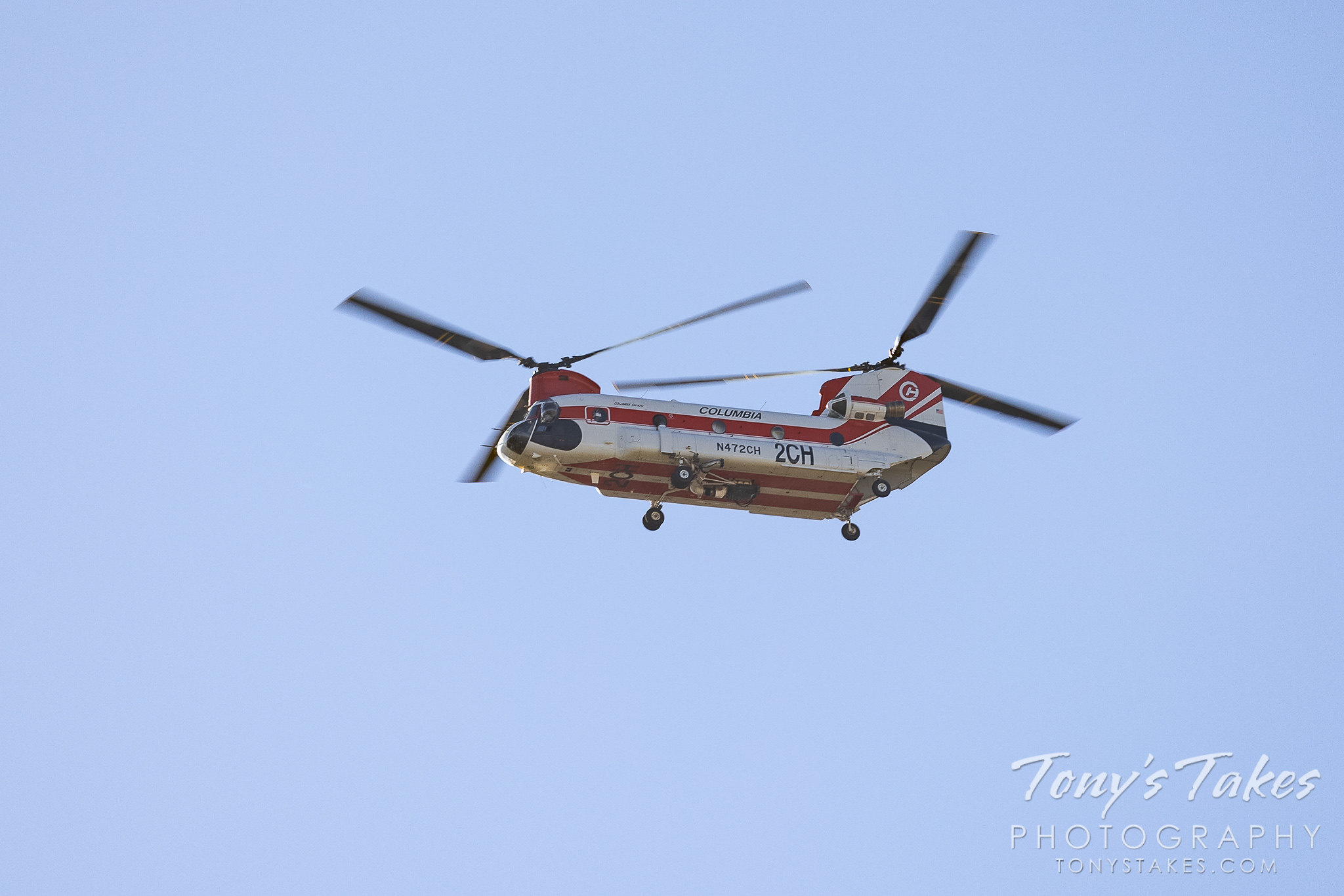 Firefighting helicopter on the move