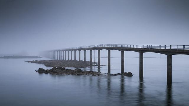 Pont de Roscoff dans la brume