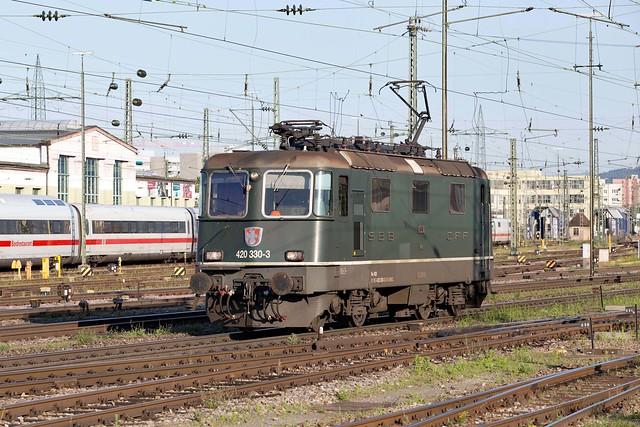 SBB Re 4/4 420 330 Basel Badischer Bahnhof
