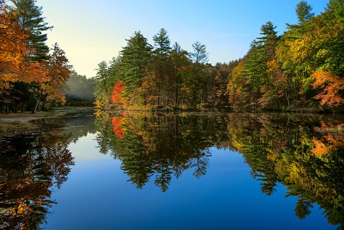 morning water pond lake reflection trees foliage autumn fall landscape colorful bluesky pentax k1 pentaxk1 forest massachusetts