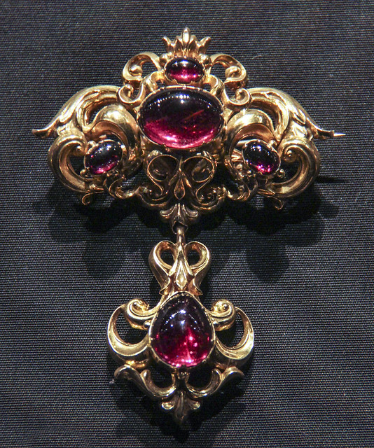 Brooch, England, about 1835, stamped gold set with cabochon carbuncles (almandine garnets)