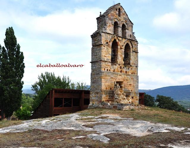 729 – Torre - Iglesia rupestre Santa María de Valverde – Cantabria - Spain.