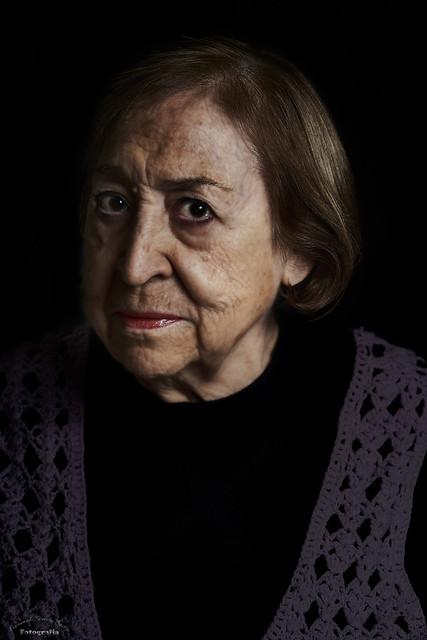 Retrato de anciana - Portrait of old woman