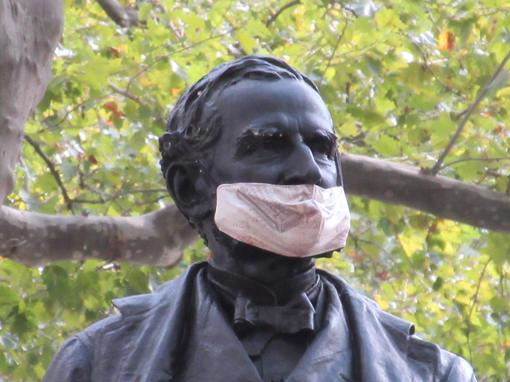 2020 Mask Not Covering Nose on Statue in Bryant Park 9061