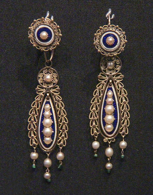 Earrings, Probably France, about 1795-1810, enamelled gold with pearls and glass beads