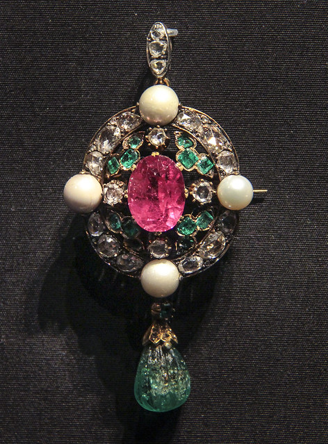 Pendant with brooch fitting, Probably India, 1860-70, Gold set with pink tourmaline, emeralds, rose-cut diamonds and river pearls, After a 16th century Europearn design