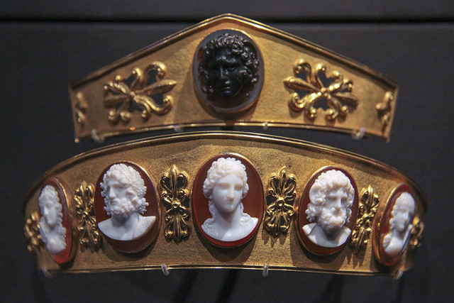 Spartan diadem, Probably France, about 1810, gilded metal, carnerian, white glass and chalcedony