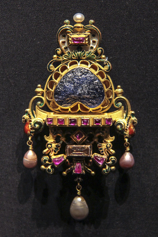 Pendant with brooch fitting, Italy, Roma, made by Castellani, Intaglio by Giorgio Antonio Girardet, Gold, enamel, rubies, diamonds and sapphire intaglio, The form of the jewel follows a German prototype of ear