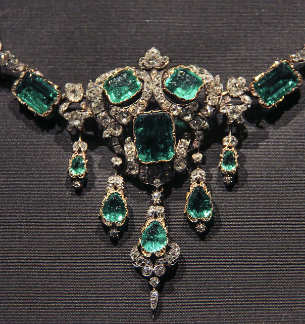 Detail - Necklace, England, the setting probably 1874-87, Emeralds and brilliant-cut diamonds set in gold an dsilver