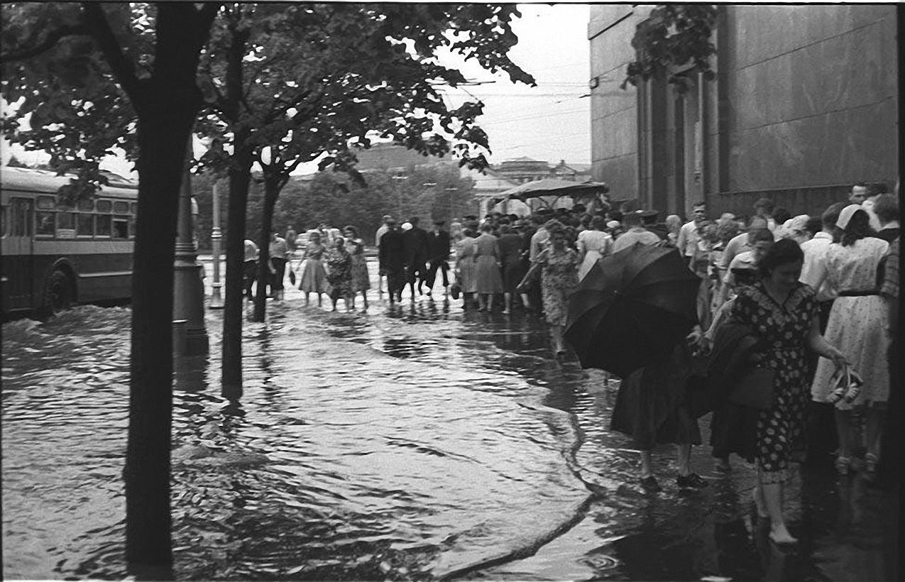 1950-е. После дождя. Охотный ряд