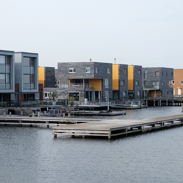Waterfront houses in Almere (NL)