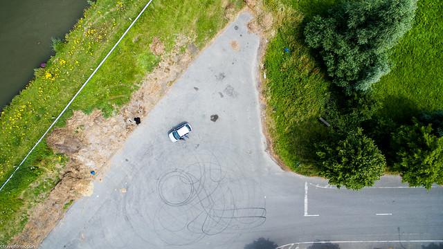 drone15 - car