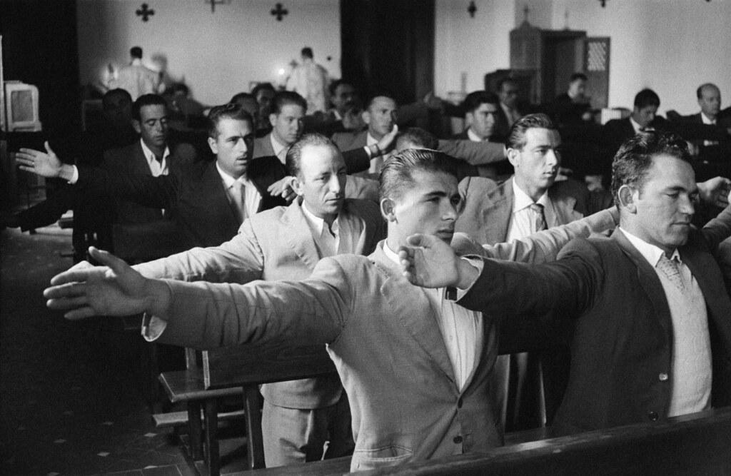 Cursillos de Cristiandad. Fotografía de Ramón Masats en Toledo en 1957.
