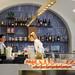 Prague : serveuses d'une pâtisserie de Malá Strana