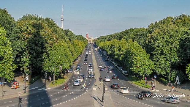 Straße des 17. Juni Berlin, taken from the Siegessäule