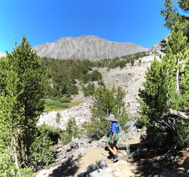 Cloudripper Peak (13,550 ft) dominates the head of the upper Big Pine Lakes Basin as we head to Sixth Lake