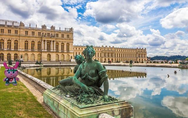 Little Tourist Visits Versailles