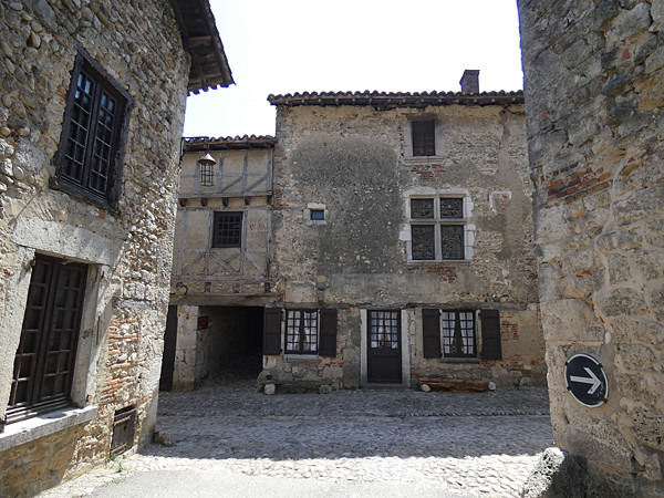 pérouges 3