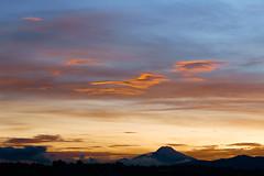 Sunrise in Quito Amanecer en Quito