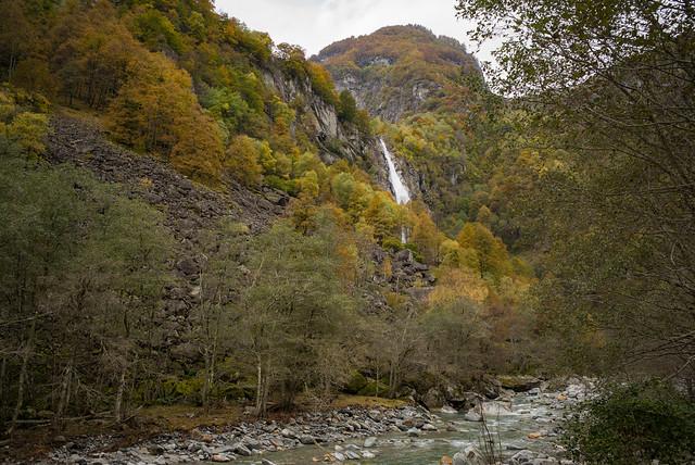 Cascata di Foroglio . Valle Bavona (Ticino)