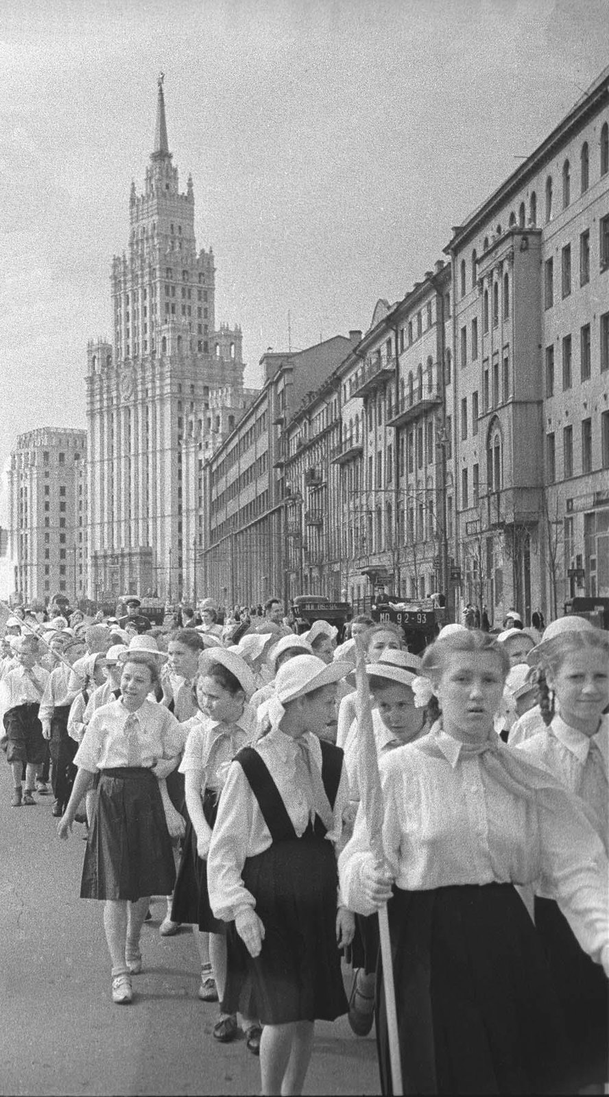 1950-е. Пионеры. Садовая-Черногрязская ул.