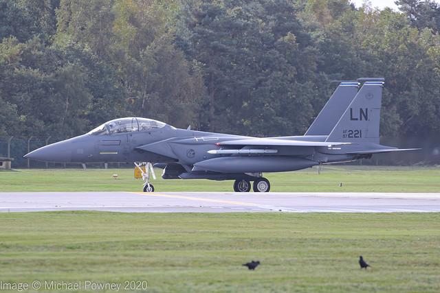 97-0221 - 1997 fiscal McDonnell Douglas F-15E Strike Eagle, vacating Runway 06 on arrival at Lakenheath