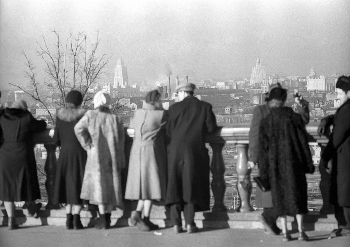 1955. Смотровая площадка на Ленинских горах