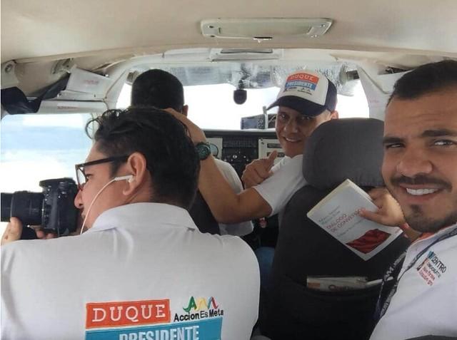 """Samuel David Cataño también le pedía a la gente que votara por """"el que dijera Uribe"""" y subía propaganda política en sus redes sociales."""