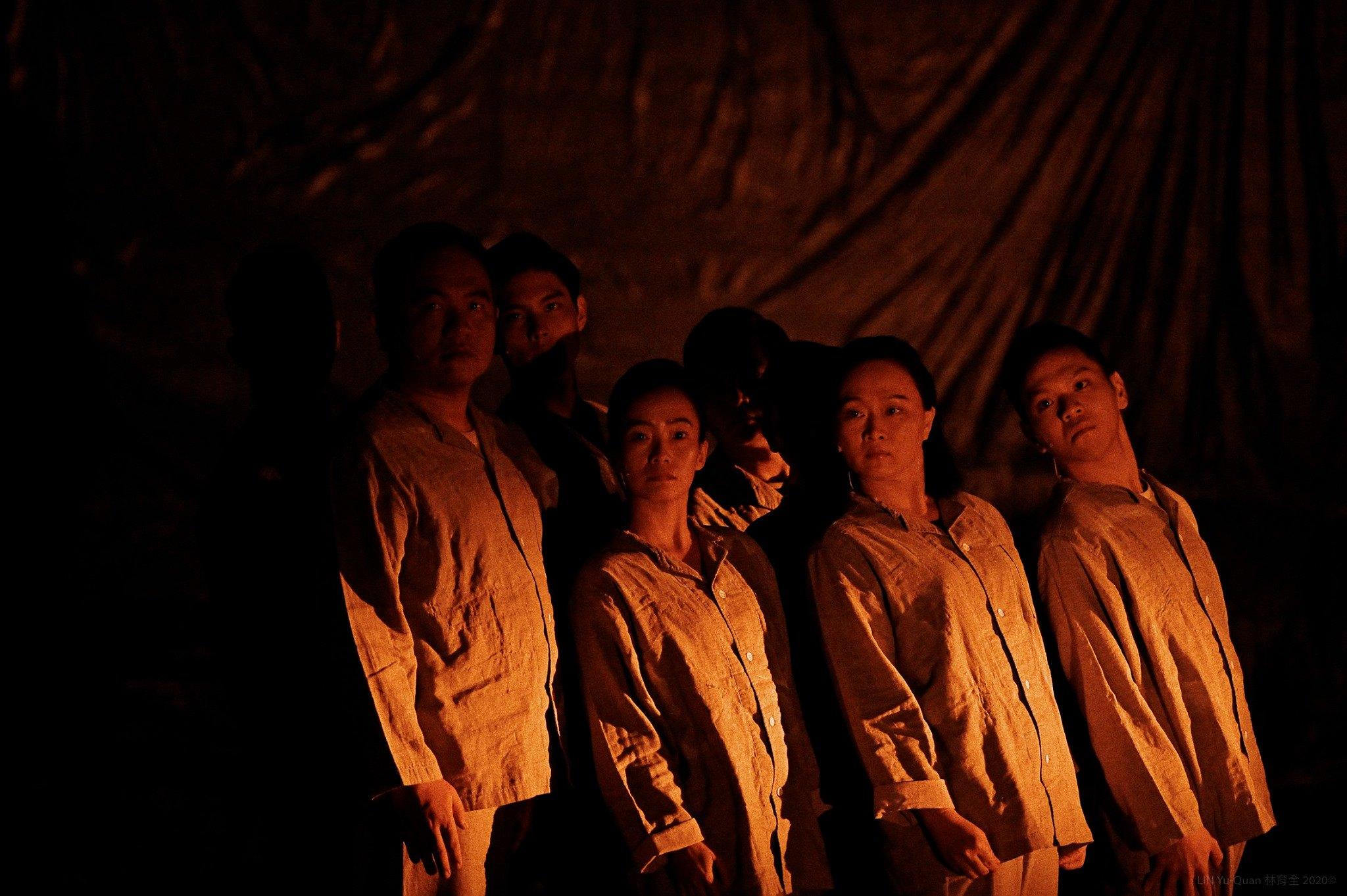 《范天寒和他的弟兄們》 劇照。(攝影:林育全/差事劇團提供)