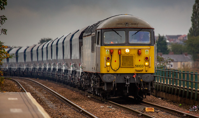 DCR Class 56 no 56103 approaching Mansfield on 20-10-2020 with new wagons from WH Davies ltd of Shirebrook