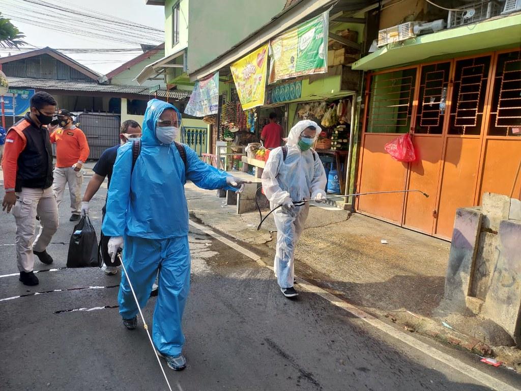 Yamaha Bersama Satpol PP Penyemprotan Disinfektan