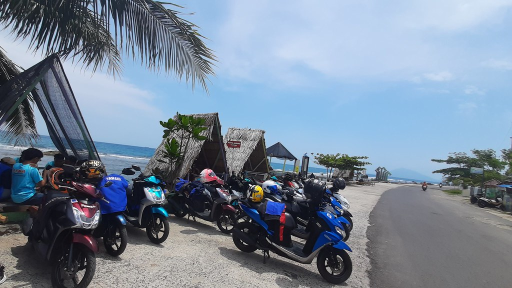 Touring Generasi 125 ke Pantai Canti