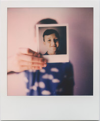 Almost anonymous (SX-70)