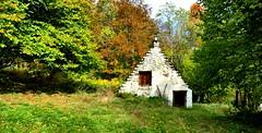 """Le Mourtis (Moyennes vallée de Campan, Hautes-Pyrénées, Fr) – Architecture vernaculaire : les """"penaus"""" ou redans des toits de chaume"""