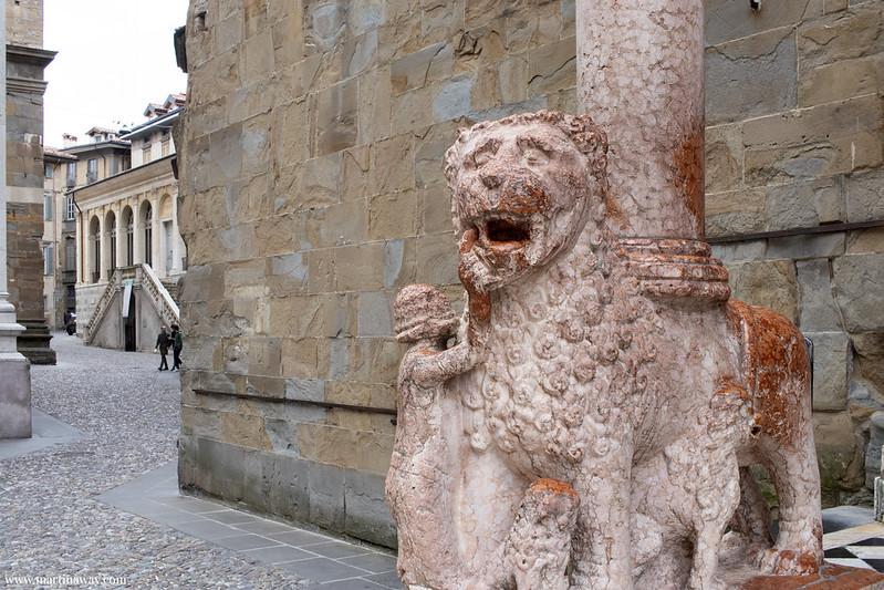 Porta dei Leoni Rossi