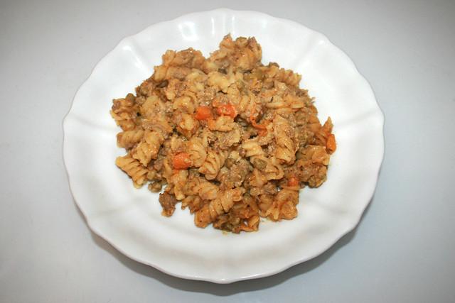 Fusilli pot with bell pepper, peas & carrots - Leftovers IV / Spirelli-Topf mit Paprika, Erbsen & Möhren - Resteverbrauch IV