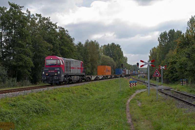IRP 2104 met Coevorden-shuttle + Bentheimer Eisenbahn E01 1835 te Aadorp.