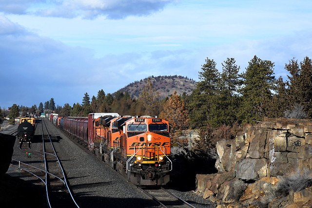 2/6/20 Bend, OR ( South Siding Switch Cascan )